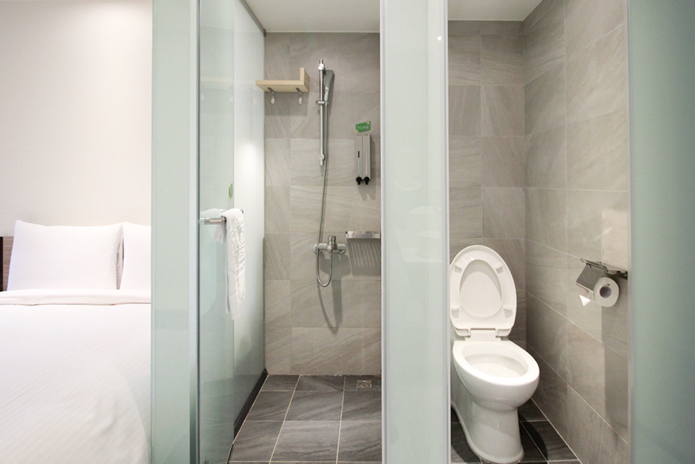 Economy Triple Room-shower and toiletries separate